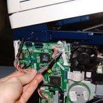 Отсоединяем провода и шлейфы сканера от форматера