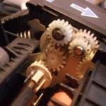 Сломанная шестерня от принтера HP CLJ 3600