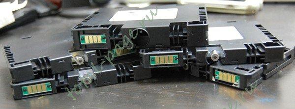 Чипы от гелевых принтеров Ricoh на службе монохромных лазерных принтеров.