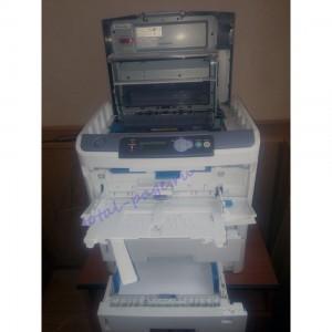 Принтер OKI B840DTN с открытой крышкой и выдвинутом лотком